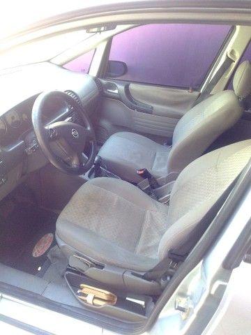 Vendo carro Zafira 7 lugares - Foto 5