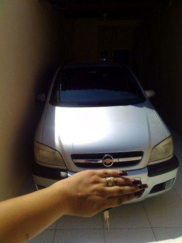 Vendo carro Zafira 7 lugares - Foto 9