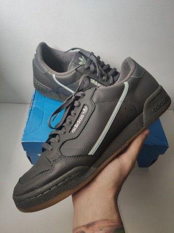 Tênis Adidas continental 80