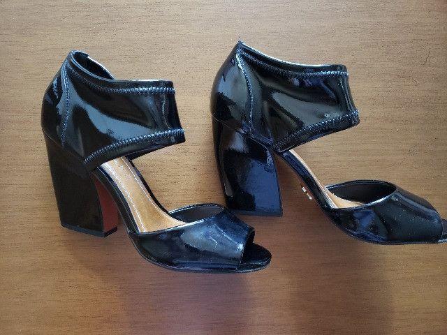 Sapato Preto Verniz Carrano 36 - Foto 4