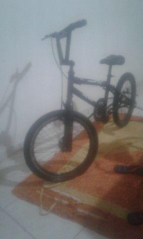 Vendo bicicleta tanto infantil como para manobras