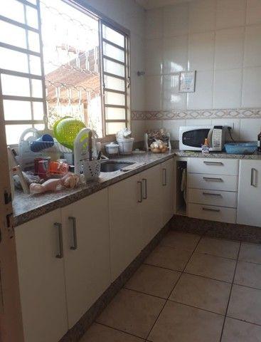 Vendo casa 3 quartos no Jd do Ingá, passo por R$52mil+parcelas - Foto 5