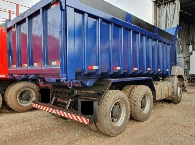 Caminhão 3344 6x4 CAÇAMBA TRAÇADO  - Foto 4