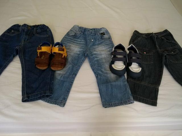 Vende se esses 5 itens tres calcas e um sapato e um sandália infantil