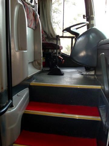 Ônibus rodoviário Comil 3.45 motor Mercedes O400 eletrônico ano 2000 46 lugares soft - Foto 13