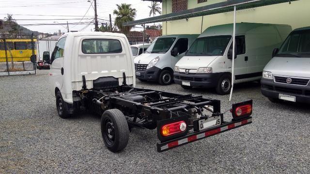 Caminhãozinho, Furgão - HR 2.5 Turbo Diesel, ano 2016, único dono, Joinville SC - Foto 8