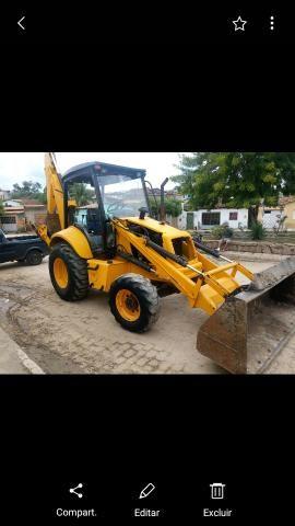 Máquina retro escavadeira new holland 2006