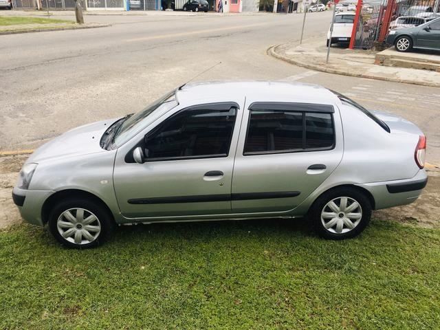 Clio Sedan Expression 1.6 - Foto 5