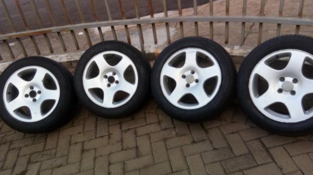 Rodas com pneus aro 16