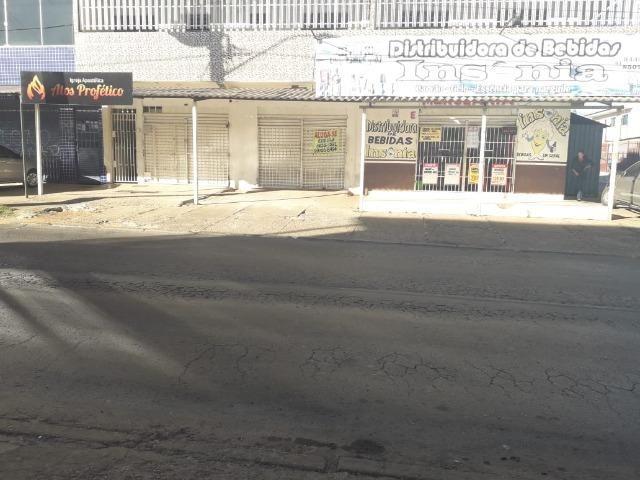Ótima prédio, com 03 lojas e 04 apartamentos na avenida potiguar, de esquina