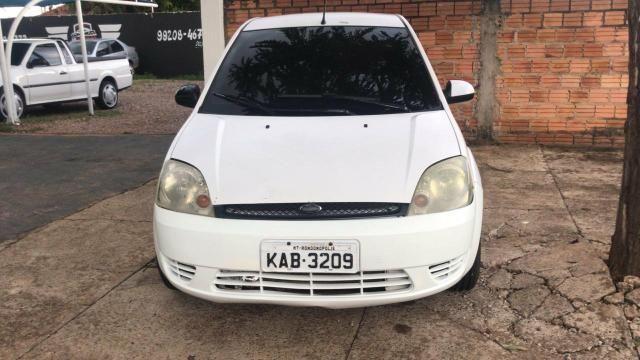 Ford Fiesta 04/05 com ar condicionado