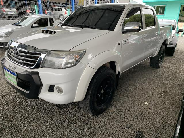 Toyota Hilux automática - Foto 4