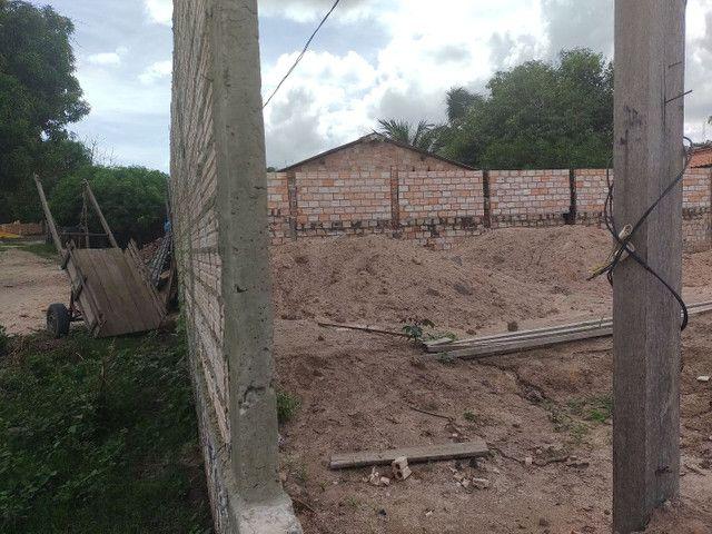 vendo Terreno todo murado e aterrado no bairro vitória régia,próximo rua asfaltada 26x30 - Foto 6