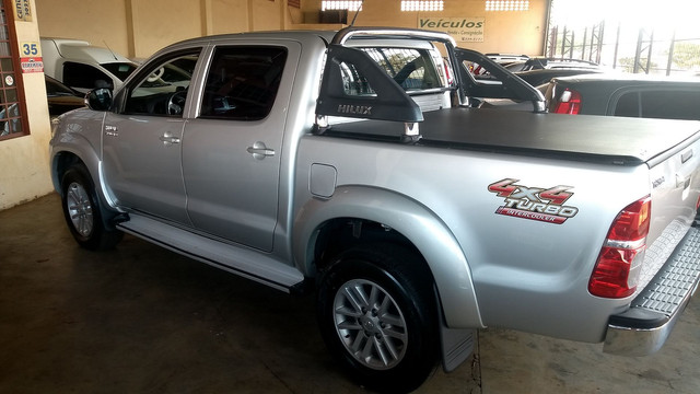 Hilux Srv 3.0 Turbo Diesel At 2014/14 - Foto 18