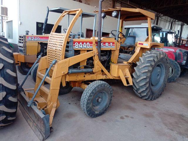 Trator CBT 8440 lâmina
