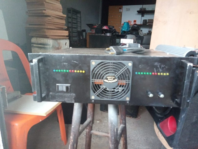 Amplificador/Potencia caseiro mil por canal 1.500 Reais
