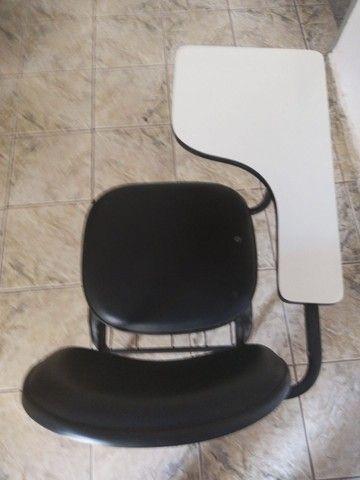 Vendo 1 Cadeira Universitária - Foto 3