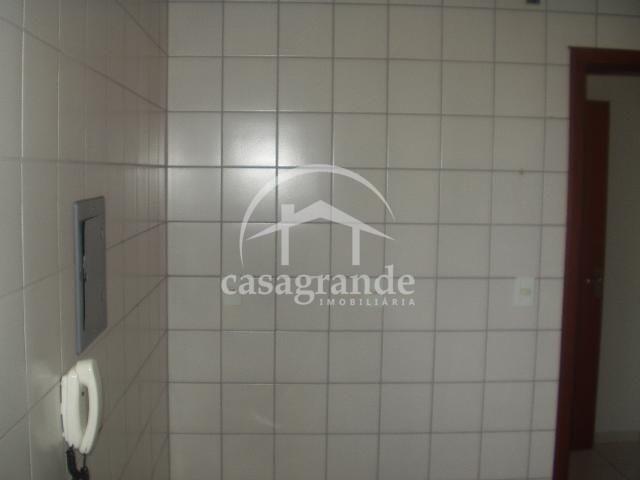 Apartamento para alugar com 3 dormitórios em Umuarama, Uberlandia cod:10 - Foto 4