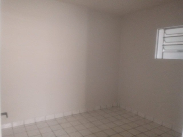 Apto. (1º andar) com garagem   Bairro Maria Auxiliadora   Próximo: Hospital Manoel Afonso - Foto 7