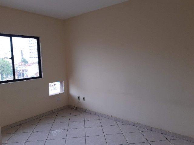 Apart. de quarto e sala , varanda, cozinha americana e Banheiro completo - Foto 7