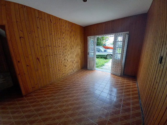 Alugo quarto e sala em condomínio com garagem no bairro Catarcione - Foto 5