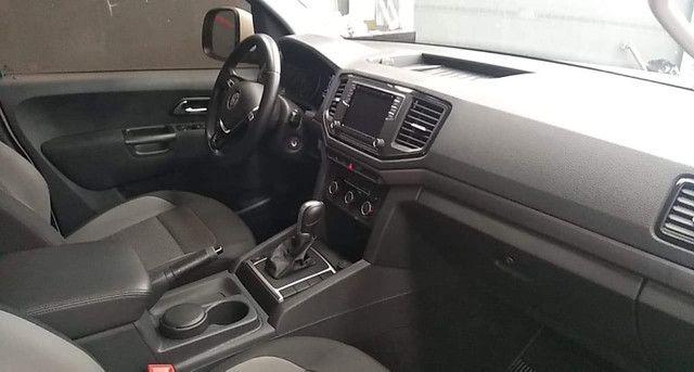 VW Amarok Trendline 2.0 Turbo Diesel CD 4x4 2018 Automatica - Foto 8