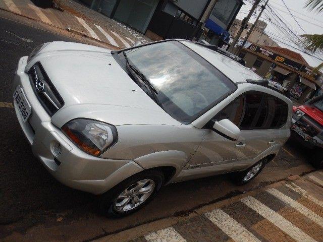 Hyundai Tucson - novíssima - conservação acima do mercado ! - Foto 15