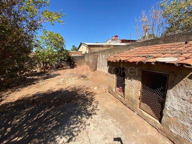 Casa  com 3 quartos - Bairro Jardim Novo Mundo em Goiânia - Foto 4