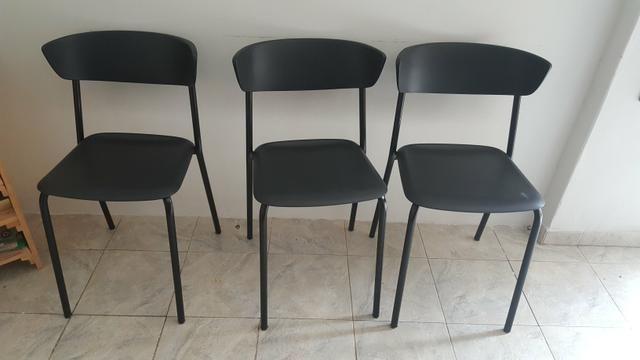 Cadeira Bit Base Fixa Preta Em Polipropileno Preta