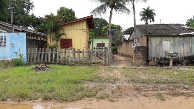 Terreno com 2 casas alugadas - Ji-Paraná