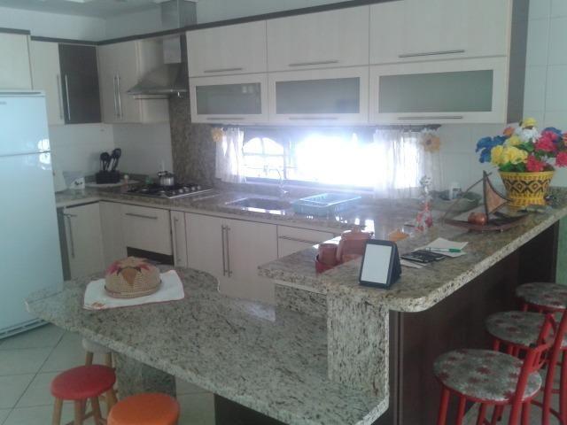Casa e apartamento 50 mts da (Praia Enseada) c/ar e internet - Foto 14