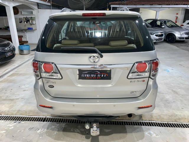 Toyota Hilux SW4 7 lugares 13/13 - Foto 8