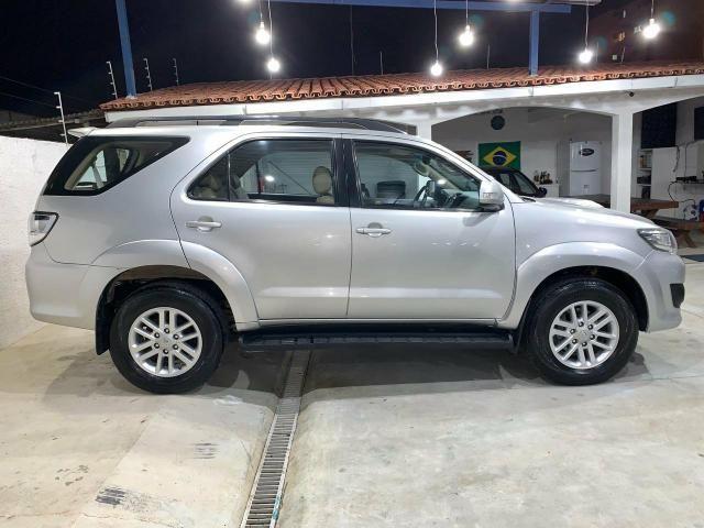 Toyota Hilux SW4 7 lugares 13/13 - Foto 4