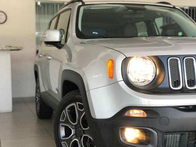 Jeep Renegade Longitude 1.8 4x2 Flex 16V Aut. - Foto 12