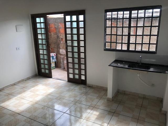Alugo Casa 1 quarto - Nova Colina - 550,00 com garagem !! - Foto 2