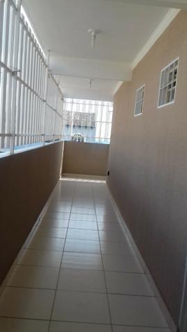 Ótima prédio, com 03 lojas e 04 apartamentos na avenida potiguar, de esquina - Foto 6