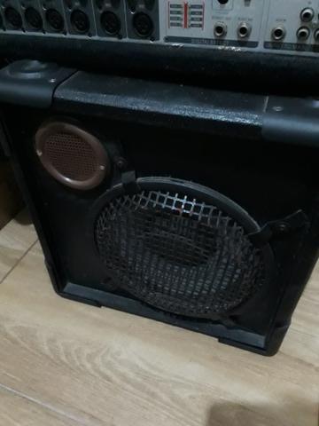 Mesa de som mais caixa acustica - Foto 3