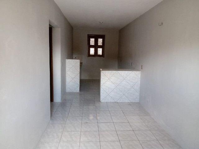 Cod. 000926 - Casa para aluguel com 02 quartos no Montese - Foto 3