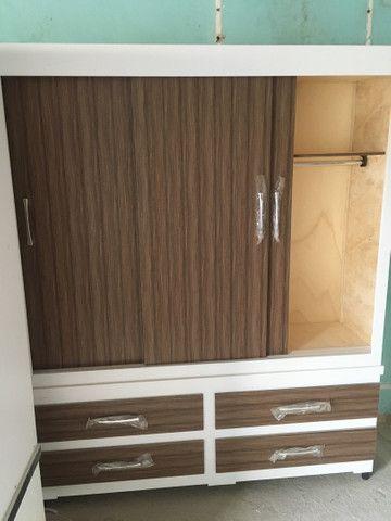 Guarda roupa 3 portas corrediça de madeira - Foto 3