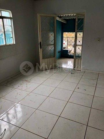 Casa  com 3 quartos - Bairro Jardim das Aroeiras em Goiânia - Foto 7