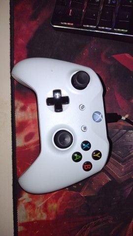 Xbox one s- novinho-leia a desc- 1tb - Foto 3