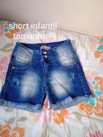 3 calças jeans 1 calça de abrigo e um short infantil - Foto 5