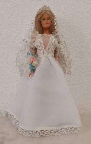 Barbie Mattel modelo 1999 vestida de noiva