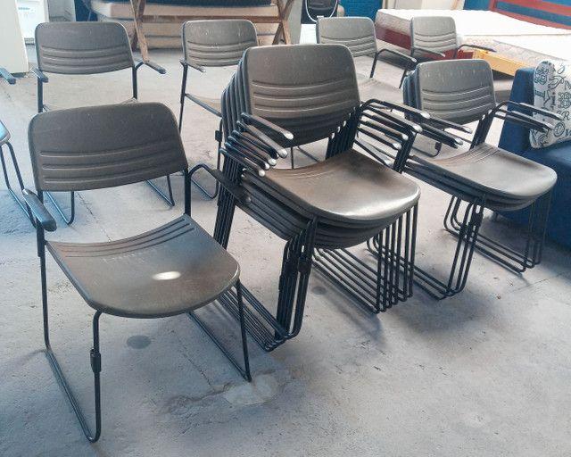 Cadeiras para sala de Espera Fixa por apenas 59,99 cada