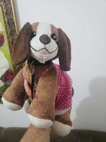 cachorro pelúcia com coleira - Foto 4