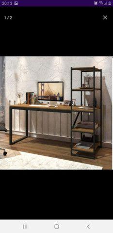 Mesa com estante  - Foto 3