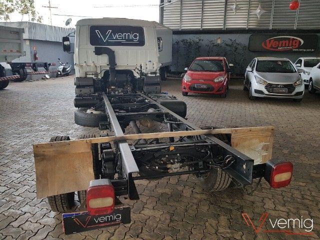 Caminhão 3/4 Volkswagen 10.160 Delivery 4x2 2014 - Foto 5