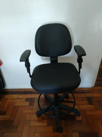 Cadeira de caixa/escritório (alta) preta *NOVA