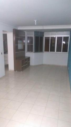 Vendo apartamento no Stella Maris à duas quadras da praia