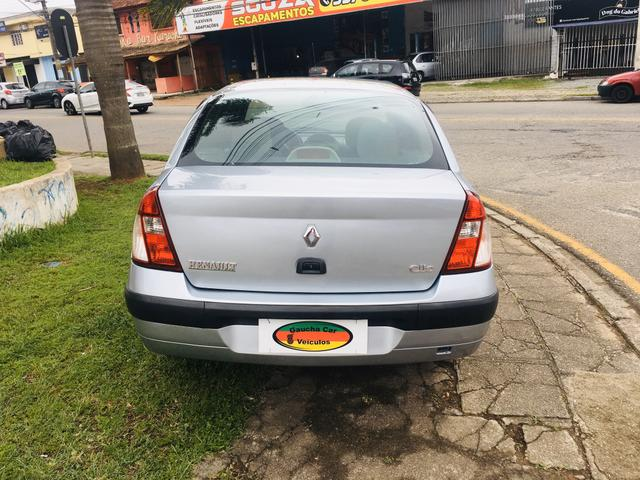 Clio Sedan Expression 1.6 - Foto 9